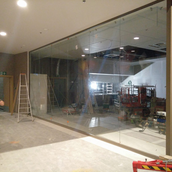 Miroiterie Leys and Fils - Création des vitrines