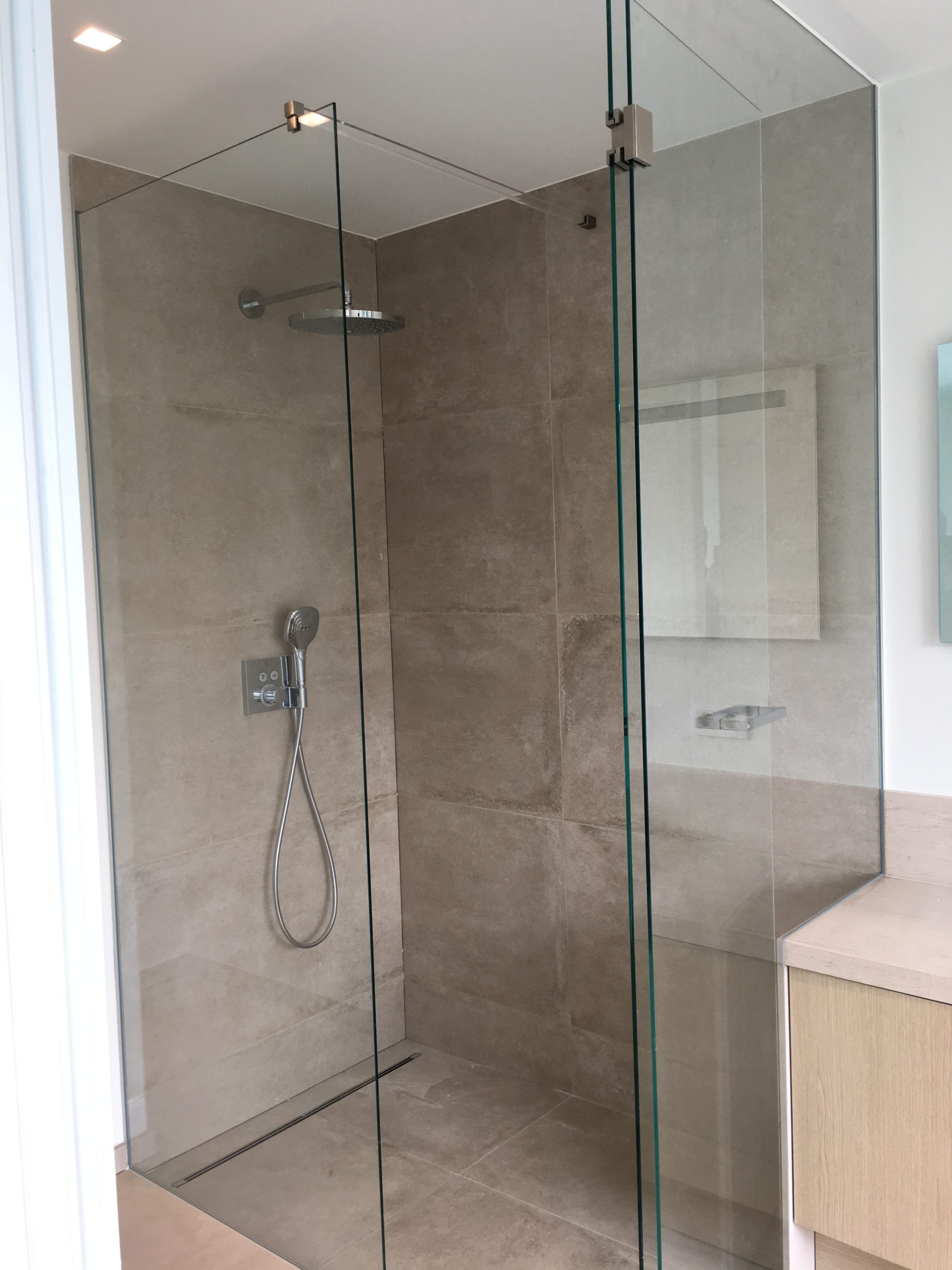 Miroiterie Leys and Fils - Installation ensemble de douche